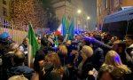 I video e le foto della protesta contro il lockdown iniziata davanti al Comune e finita sotto casa di Gori