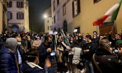 Tutto il Consiglio comunale prende le distanze dalla protesta sotto casa del sindaco Gori