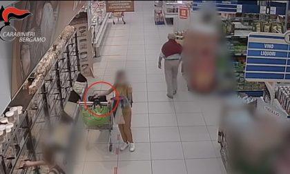Rubavano portafogli e carte di credito nei supermercati, arrestate cinque donne
