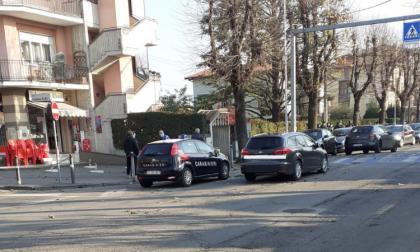 Caccia all'uomo nella Bassa con elicottero in volo sopra Romano: arrestati due rapinatori