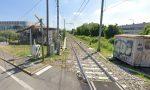 Tragedia al passaggio a livello di Curno: gesto estremo di una 41enne, travolta dal treno