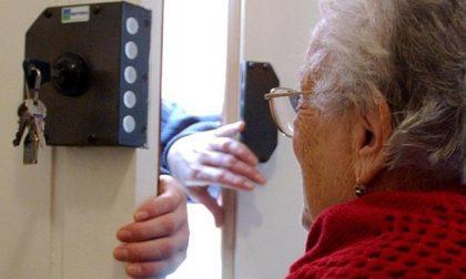 Si fingono poliziotti per rubare in casa degli anziani: attenzione a Longuelo e Loreto!