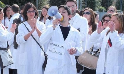24 mila medici neolaureati pronti a scendere in campo. Il Consiglio di Stato sblocca la vicenda