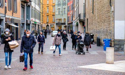 Week-end in zona gialla a Bergamo: la Polizia locale ha multato 35 persone e 3 negozi