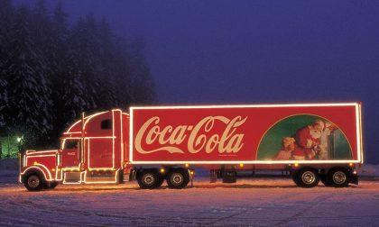 Il video del passaggio del camion della Coca Cola (sì, quello dello spot) per Bergamo