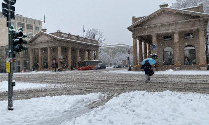 """Il Comune risponde agli attacchi sul """"piano neve"""": «Agito tempestivamente. Nevicata eccezionale»"""