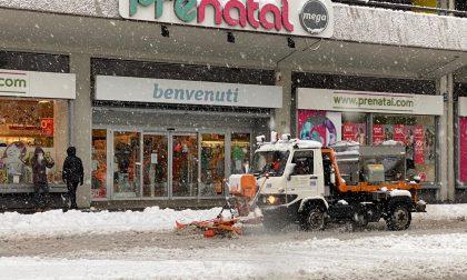 Incidenti, traffico in tilt e black out: i disagi causati dalla tanta neve in Bergamasca