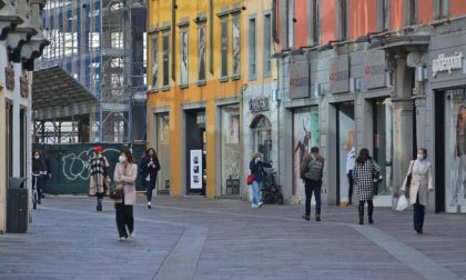 Lombardia in zona arancione (avevano sbagliato!): riaprono i negozi e si torna a scuola