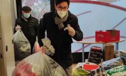 Il Pd bergamasco raccoglie e dona migliaia di indumenti per i migranti bloccati in Bosnia