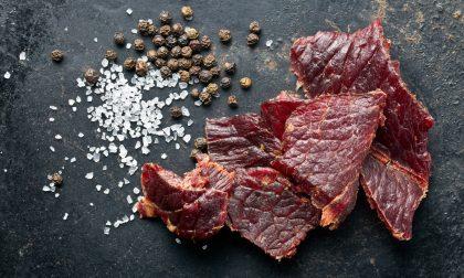 Carne secca: cinque idee per utilizzarla al meglio e per gustarla in compagnia