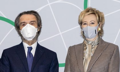 Fontana e Moratti non riferiscono in Aula sulla campagna anti-Covid, opposizioni furiose