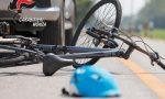 Investe un uomo in bici e poi lo bastona per farsi risarcire il danno all'auto