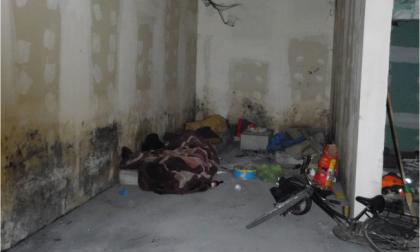 Una zona di Martinengo ridotta a bidonville, tra rifiuti e accampamenti di senzatetto