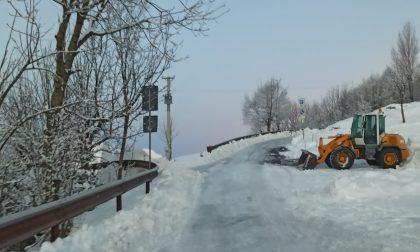 Farno e Valpiana, il Comune di Gandino limita gli accessi: la neve occupa i parcheggi