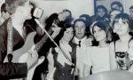 Gianni Morandi cerca i fans bergamaschi del 1968 presenti in questa foto