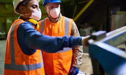 Aumentano i focolai Covid nelle aziende bergamasche, la preoccupazione dei sindacati