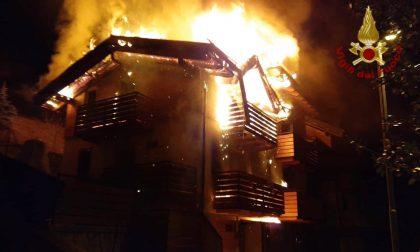 Incendio nella notte a Schilpario: distrutte due abitazioni ma nessun ferito