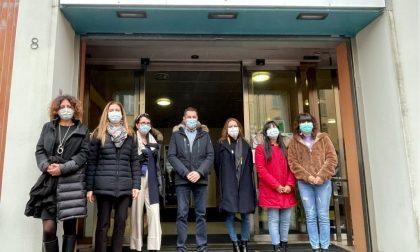 Nascono le Usca sociali: 7 assistenti sociali al fianco dei medici per aiutare i malati Covid