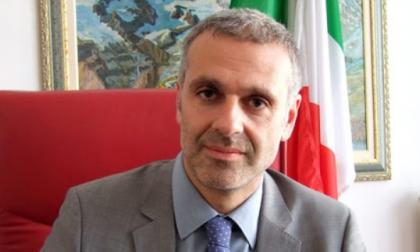 Telecamera nel bagno delle colleghe: nei guai il sindaco maestro di Albano