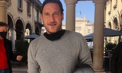 Effetto Real Madrid in centro a Bergamo: avvistati Francesco Totti (al Balzer) e Luis Figo