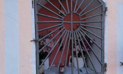Vandali a Cazzano Sant'Andrea, le immagini della Madonnina di Valle Gaggio distrutta