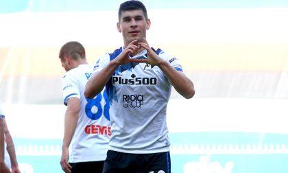 L'Atalanta sbanca Marassi, in gol Malinovskyi e Gosens. Agganciata la Juve al terzo posto