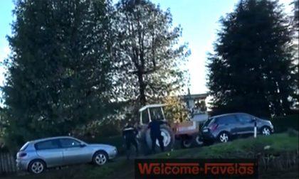 I video dello schianto contro una betoniera dell'uomo che, su un trattore, voleva uccidere l'ex moglie