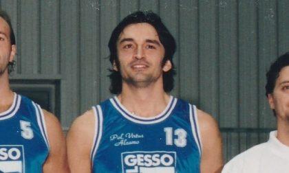 Addio a Davide Lot, gigante del basket di Alzano: contro il Parkinson resterà un esempio