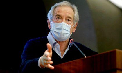 Dopo le polemiche, Bertolaso precisa: «Non abbandono la campagna vaccinale lombarda»