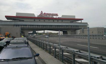 Incredibile ma vero: in monopattino elettrico (e contromano) sull'autostrada A4