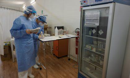 Campagna vaccini a rilento in Lombardia, Cisl: «Manca strategia e personale sufficiente»