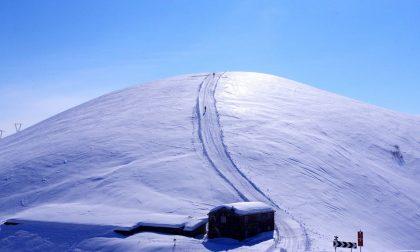 Al Passo San Marco, il valico ancora addormentato sotto la neve in attesa del disgelo