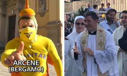"""Arcene, il parroco trasmette la messa in radio: interviene addirittura """"Striscia la notizia"""""""