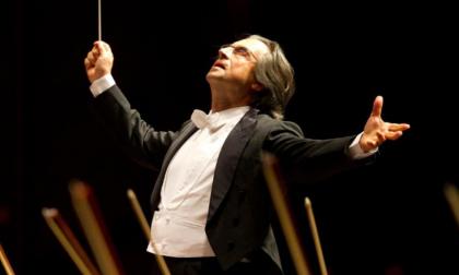 L'appello di Riccardo Muti dal Donizetti: «I teatri vanno riaperti, così uccidiamo la cultura»