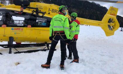 Scialpinista di 52 anni stroncato da un infarto sul Pizzo Tre Confini, a Valbondione