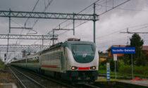 Sasso lanciato contro il treno a Verdello, il finestrino va in pezzi