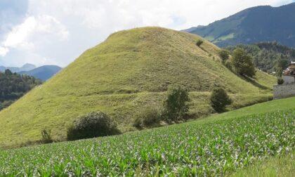 Il Monte Castello (o Polenta) è ufficialmente di proprietà del Comune di Clusone