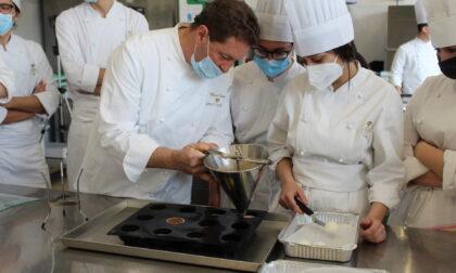 Chicco Cerea (Da Vittorio) fa scuola all'Istituto Alberghiero Galli