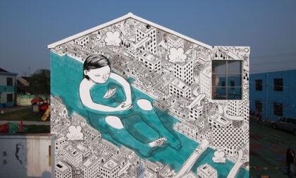 """""""La Forza della Comunità"""" dipinta sui muri di Nembro, a un anno dal primo lockdown"""