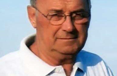 Bandiere a lutto a Osio Sotto: è morto all'età di 86 anni l'ex sindaco Gabriele Rossi