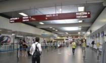 Aeroporto di Orio, false certificazioni di tamponi negativi per volare: denunciati