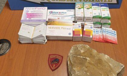 Danneggia sei auto in Città Alta e ruba dei medicinali: arrestato un quarantenne