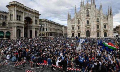 Piazza Duomo invasa dai tifosi dell'Inter, il prof Locatelli: «Dovremmo onorare i morti»