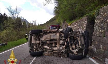 Parre, automobilista di 56 anni si ribalta a bordo della propria Jeep: per fortuna illeso