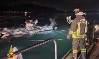 Incendio a Predore: completamente distrutta un'imbarcazione. Nessun ferito
