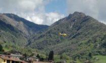 Ambulanze ed elisoccorso a Gandino: doppio malore nel centro storico