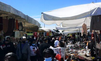 Rischio ghetto: il mercato di via Spino è diventato una casbah