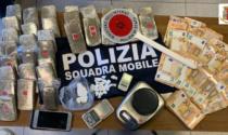 In casa nasconde oltre 3 chilogrammi di droga e 26 mila euro: in carcere un 32enne