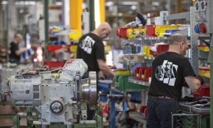 Crescono gli investimenti, ma le chiusure limitano la ripresa di commercio e servizi
