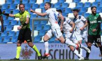 L'Atalanta in dieci pareggia col Sassuolo (1-1), sbaglia un rigore, ma resta seconda